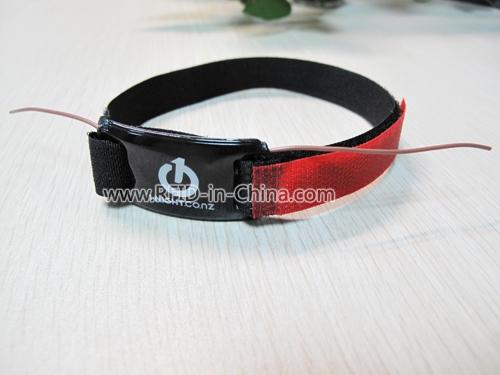 UHF Wristbands for Athletes Mangement