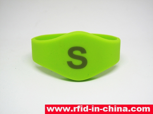 Laser Printing LF/HF RFID Silicon Wristbands-70-04