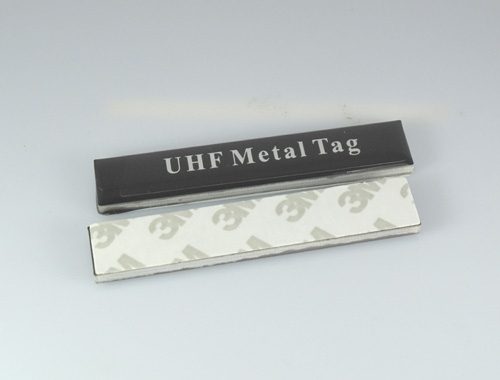 a front and back view of UHF Metal Tag-13