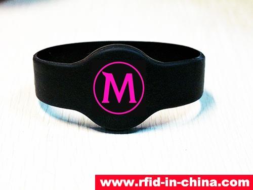 Waterproof IP68 Silicone RFID Wristband-01