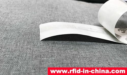 UHF RFID Barcode Label-02