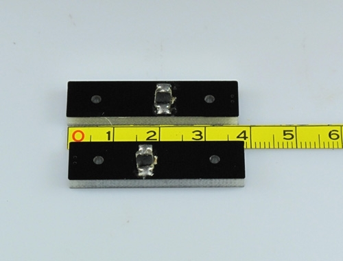 a front and back view of RFID on metal UHF tag-08