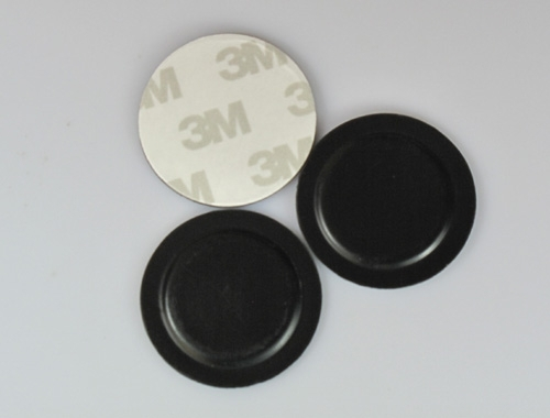 the front and back side of RFID metal tags