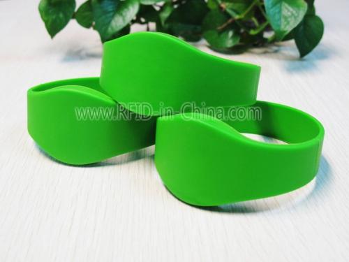 RFID HF Silicon Wristband-68-04