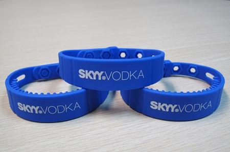RFID UHF Waterproof Silicone Wristbands-01
