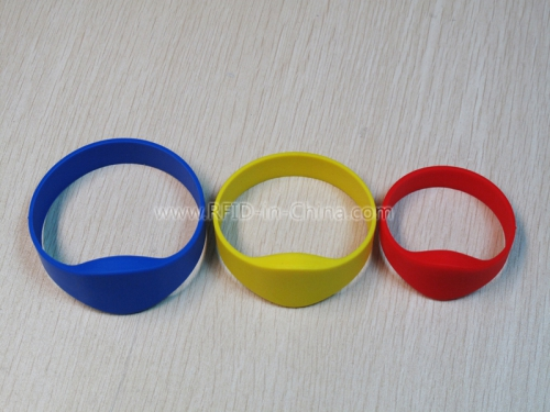 Reusable Silicone Wristbands for Cashless Payment Service-01