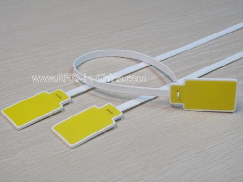 Programmable RFID Tag