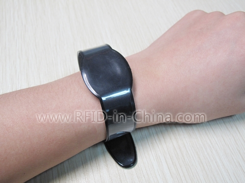 RFID Wristbands for swimming pool