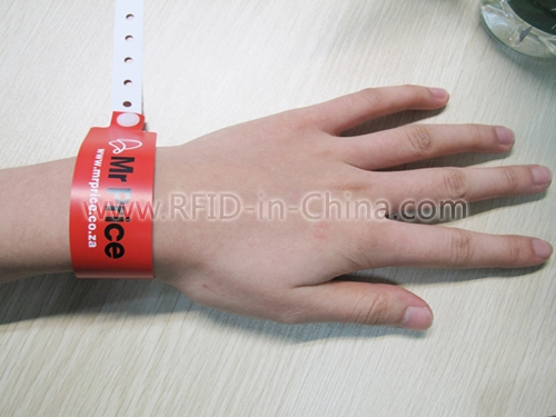 RFID One-off Wristband-32_3