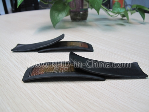 UHF RFID tag for tire tracking