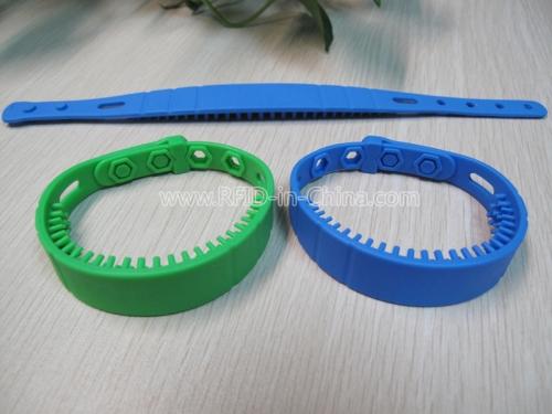 Waterproof UHF RFID Silicone Wristbands-02