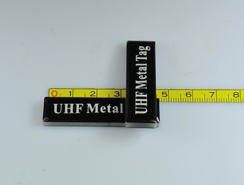 UHF on metal RFID tags