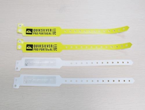 13.56MHz HF RFID PVC Wristband-04