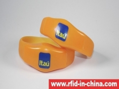 RFID Silicone bracelet with LED released by DAILY RFID