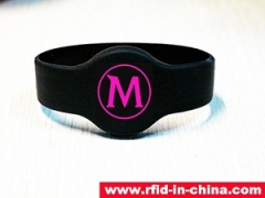 HF RFID Waterproof bracelet with fashion design released by DAILY RFID